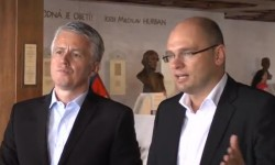 Poslanci NRSR schválili trvalý euroval