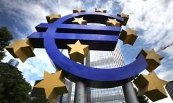 Výkup štátnych dlhopisov: ECB priznala porušovanie pravidiel