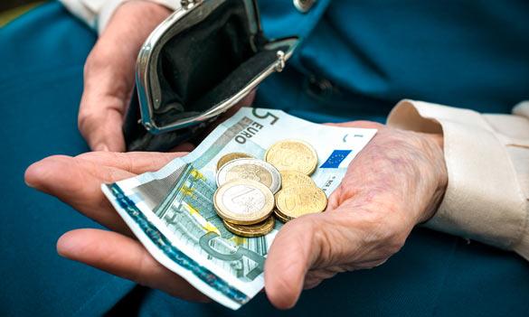 Daň zfinančných transakcií proti dôchodcom