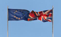 Briti preferujú vystúpenie z EÚ