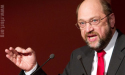 """Predseda Európskeho parlamentu Schulz víta väčšie """"investície"""" EÚ"""