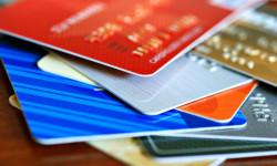 Európska únia rozhodla o regulácii poplatkov platobných kariet