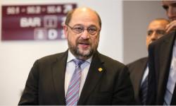 Predseda Európskeho parlamentu možno zoberie právomoci europoslancom