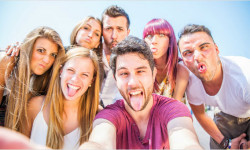 Europoslanci a mladí