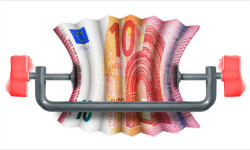 Regulácie EÚ | Britská CB kritizuje obmedzenie bonusov bankárov